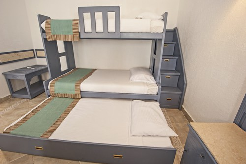 trundle bed with drawers in stairs